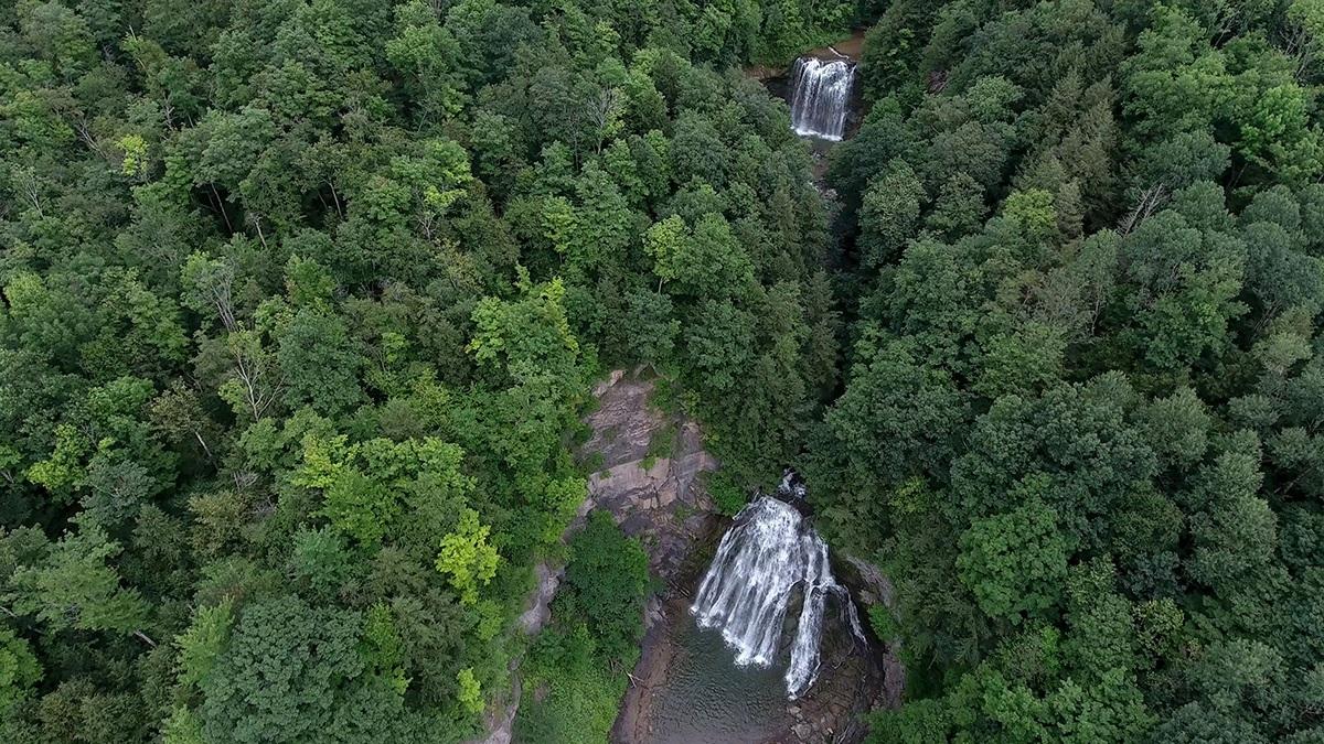 La proprietà comprende due cascate / waterfallsforsale