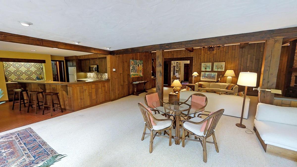 La proprietà è in vendita per 925.000 dollari, circa 775.000 euro / waterfallsforsale