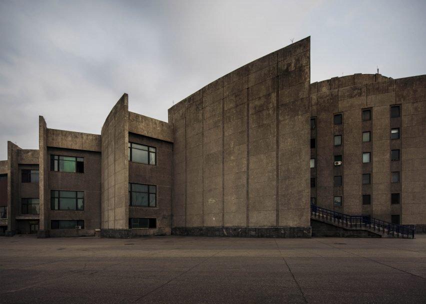 Gli edifici sono ancorati agli Anni '50 e '60  / Raphael Olivier