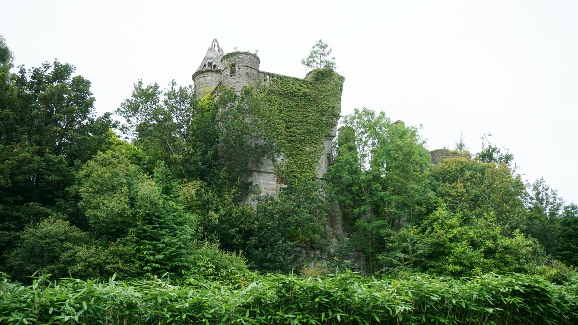 Il Castello di Buchanan si trova in Scozia / Messy Nessy Chic