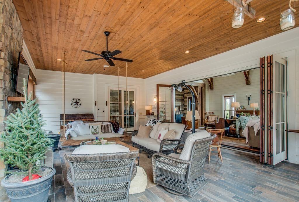 Una sala del ranch / Zillow