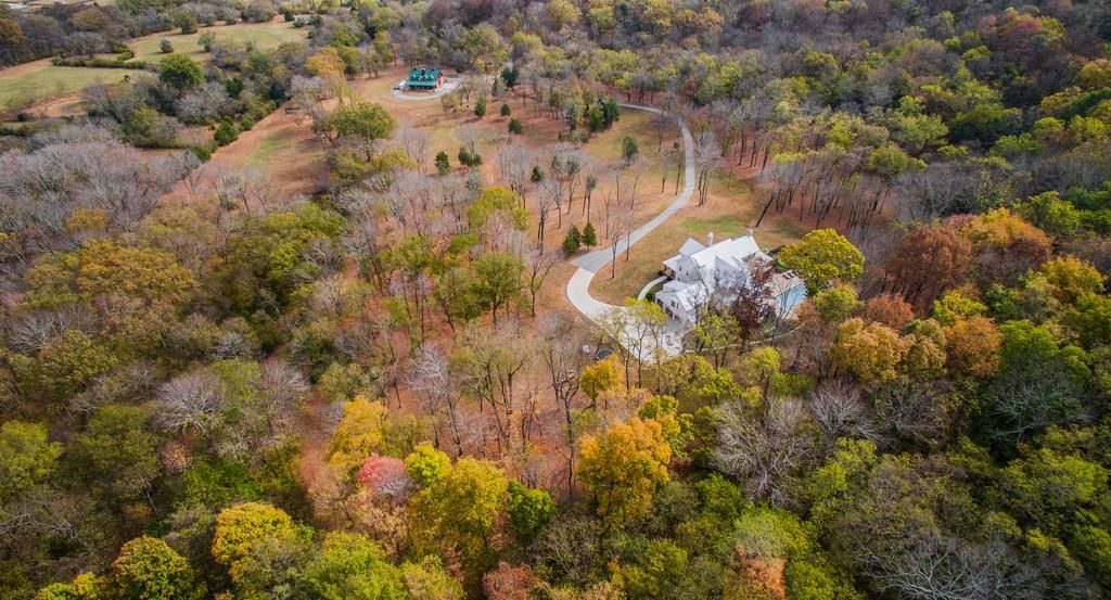 Veduta aerea del ranch / Zillow