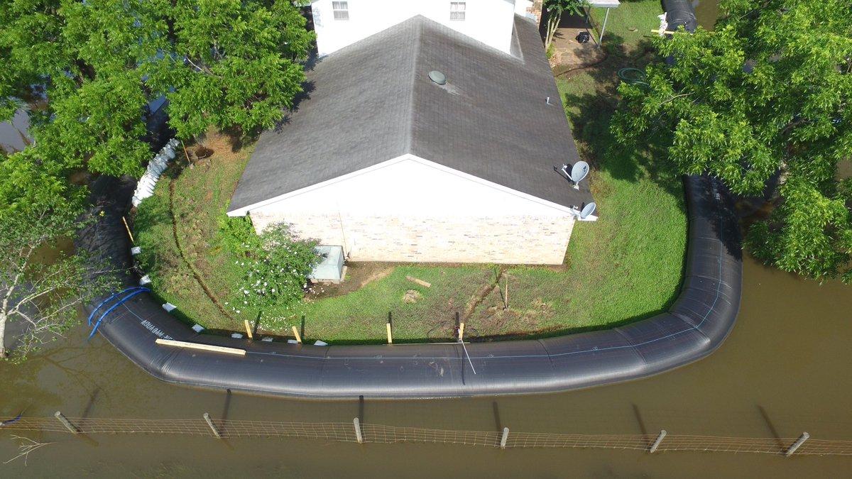 La trovata è diventata popolare tra gli americani per combattere le inondazioni  / WHOU