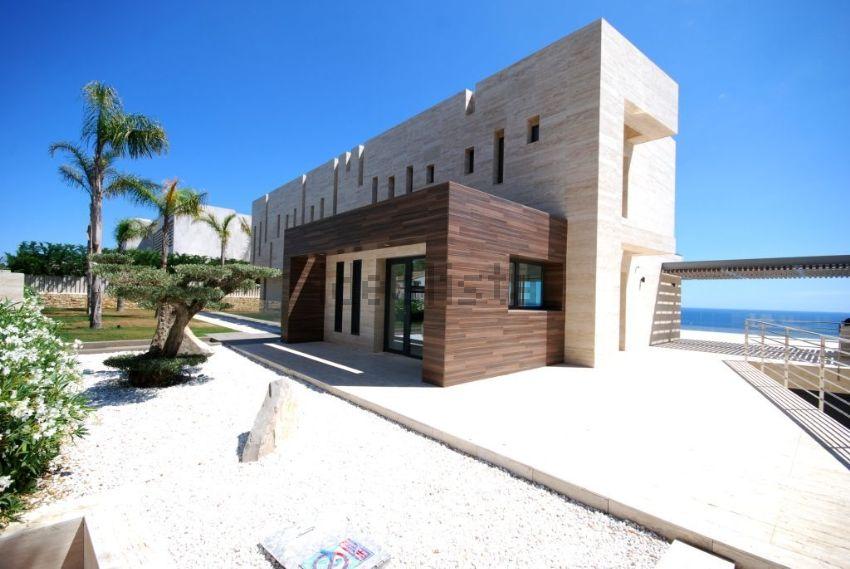 Lusso Design E Tecnologia In Una Spettacolare Villa In Spagna