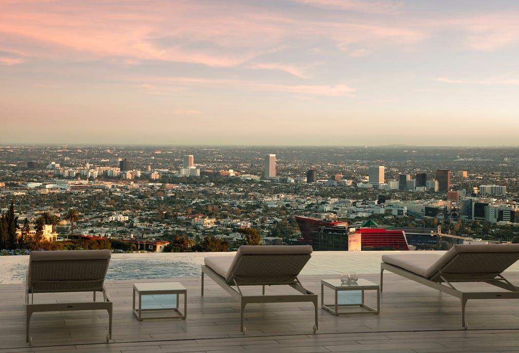 Una vista incredibile / Opus Beverly Hills