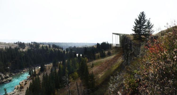 La casa si trova a Calgary, in Canada / LAAV Architects