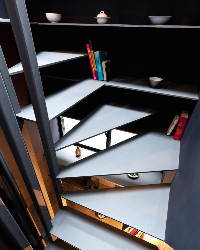 Le scale sono ben proporzionate / Designboom