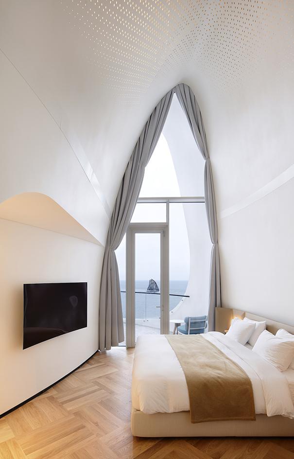 Le stanze sembrano delle conchiglie giganti / Kim Yong Kwan