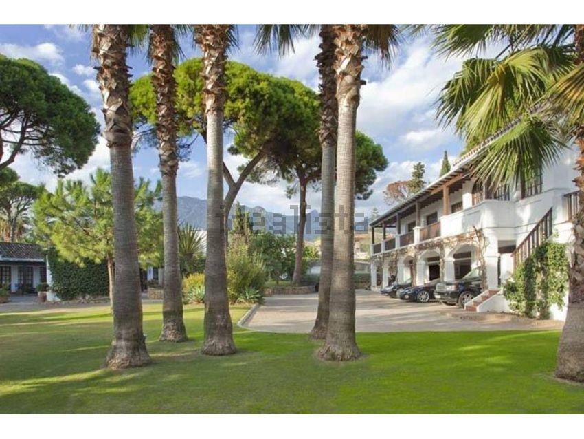 La proprietà si trova su un terreno di 6.663 m2