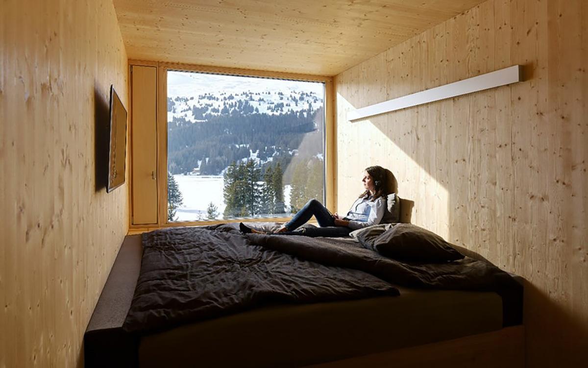 Le finestre offrono un'incredibile vista sulle Alpi / Marc Lins