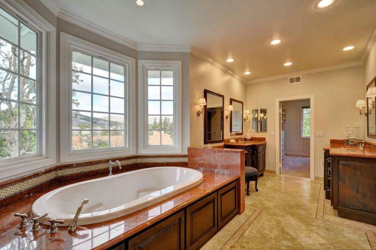 La casa dispone di 4 bagni