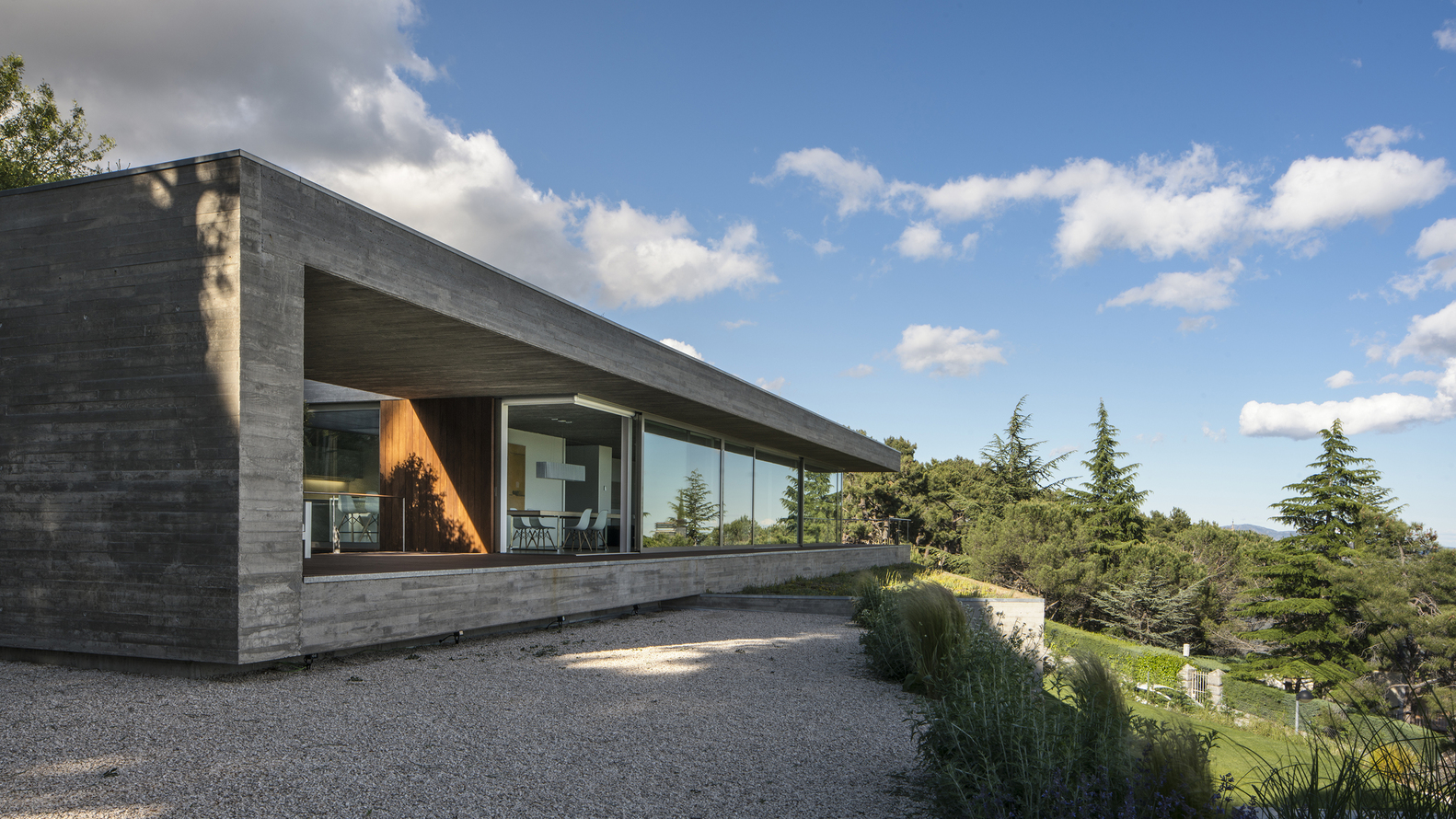 La casa vista dall'esterno / Jesús Granada