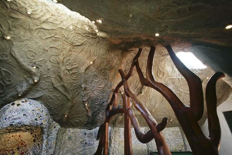 E' stata costruita alla fine degli Anni '60 dall'architetto James H. Johnson / http://www.mushroomhouse.com/