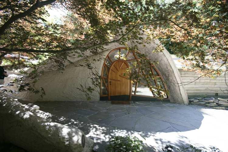 L'abitazione si trova nella foresta di Pittsford, nello Stato di New York / http://www.mushroomhouse.com/