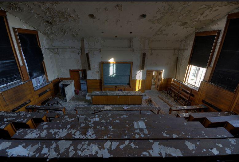 Un'altra aula abbandonata / Flickr/Mark