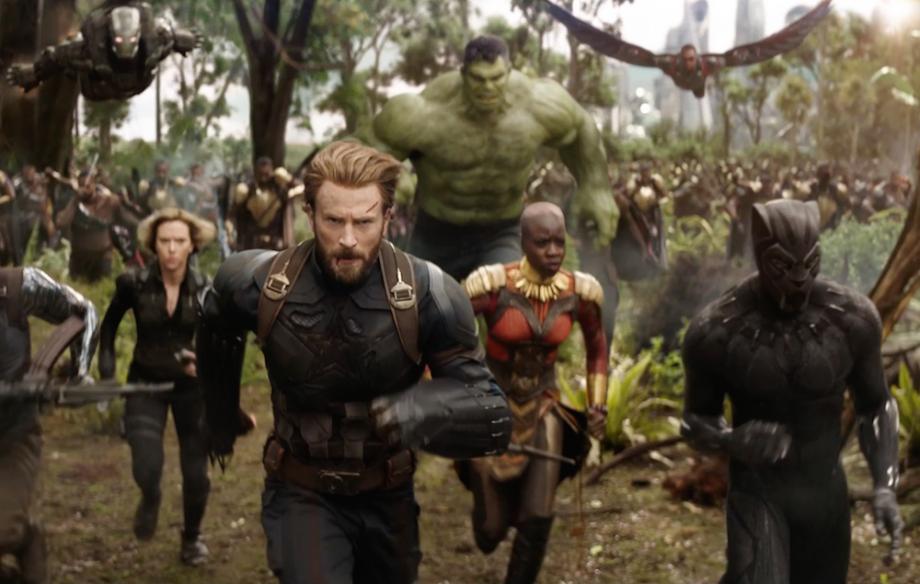 E' la prima volta che tutti i supereroi sono riuniti in un solo film / Marvel