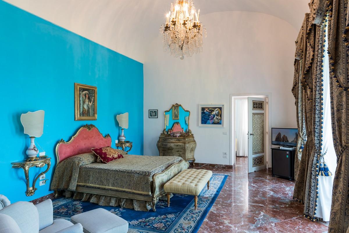 In vendita a capri villa bismarck una delle dimore pi for Piani artistici per artigiani con suite di artisti