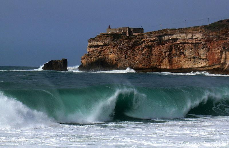 Nazaré: il paese delle onde più alte del mondo