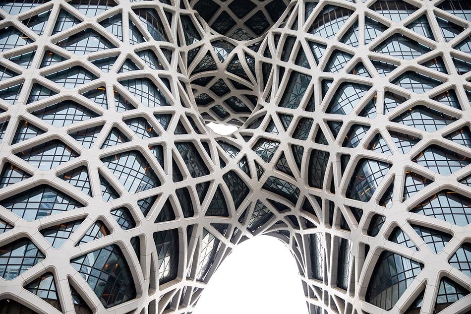L'edificio è stato progettato da Zaha Hadid / Ivan Dupont