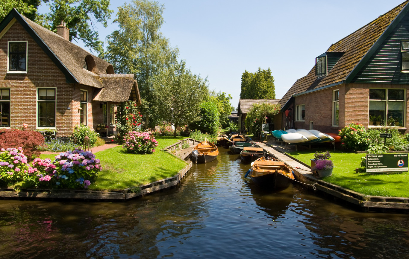 "Vendita Case In Olanda giethoorn, la ""piccola venezia"" d'olanda dove non esistono"