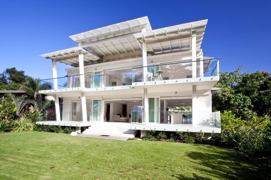 Design di lusso che si affaccia sull'infinito / LuxuryEstate