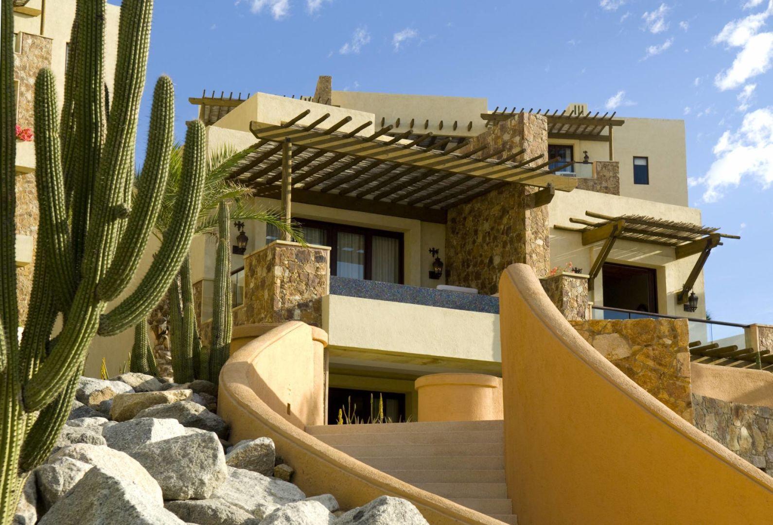 Villa / The Resort at Pedregal