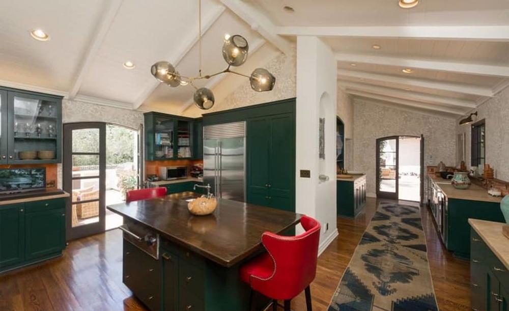 Parsons aveva comprato la casa da Robert Pattinson nel 2014