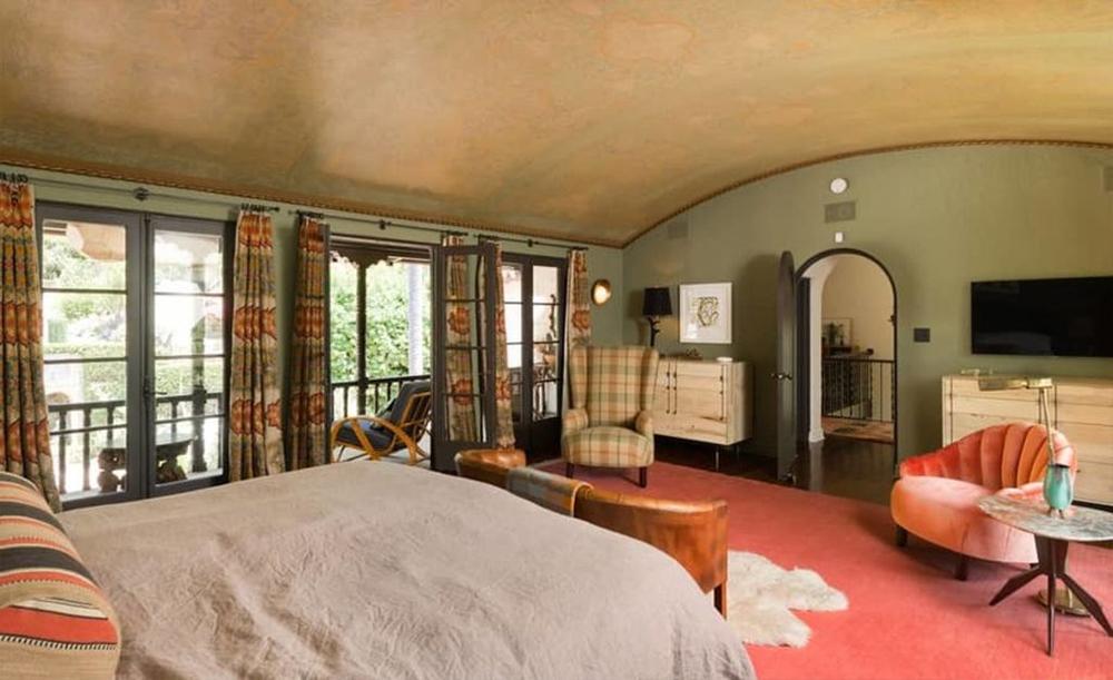 La suite offre una vista panoramica della proprietà