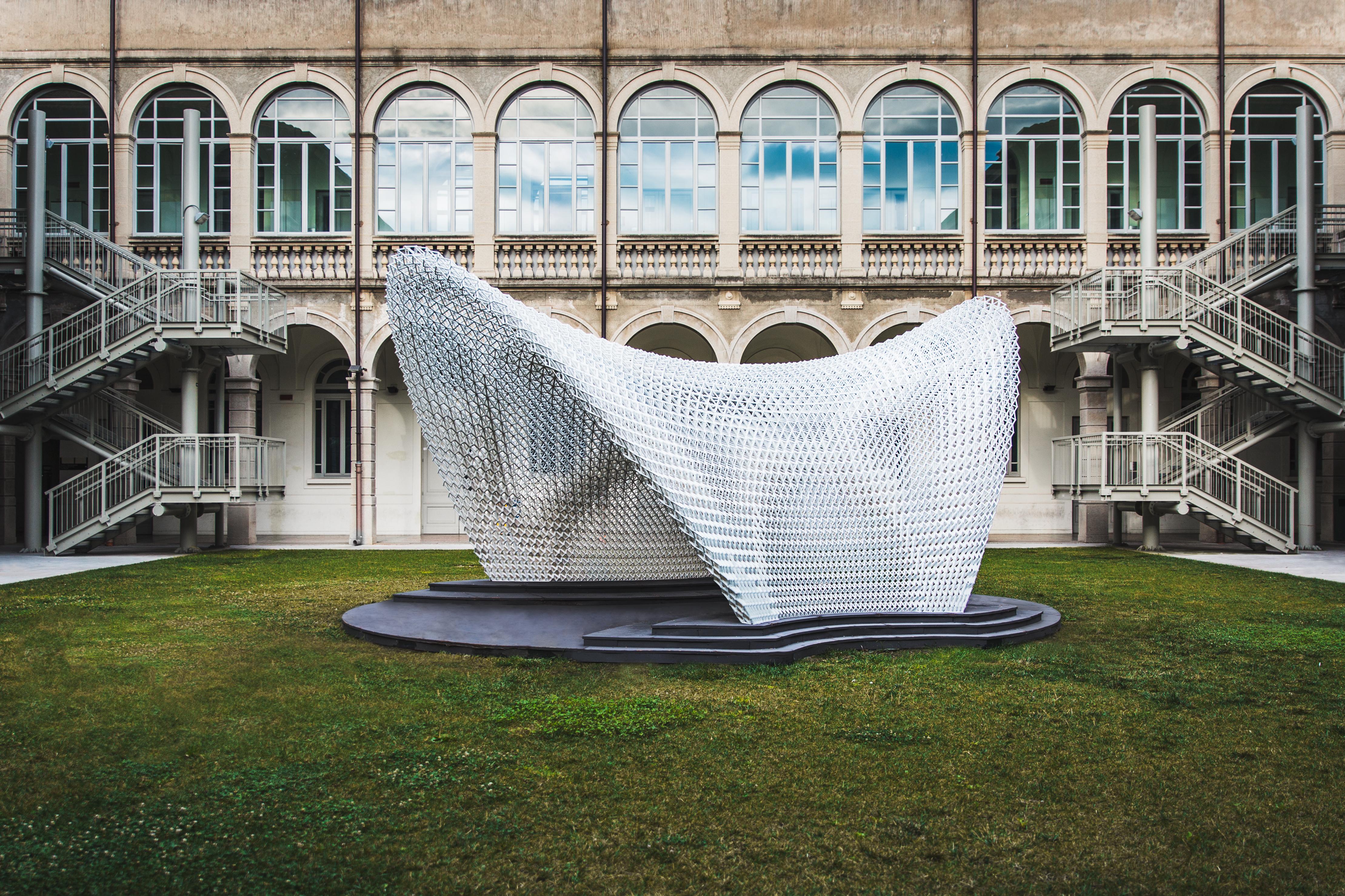 Trabeculae Pavilion è ispirato alla struttura trabecolare delle ossa  / Gabriele Seghizzi