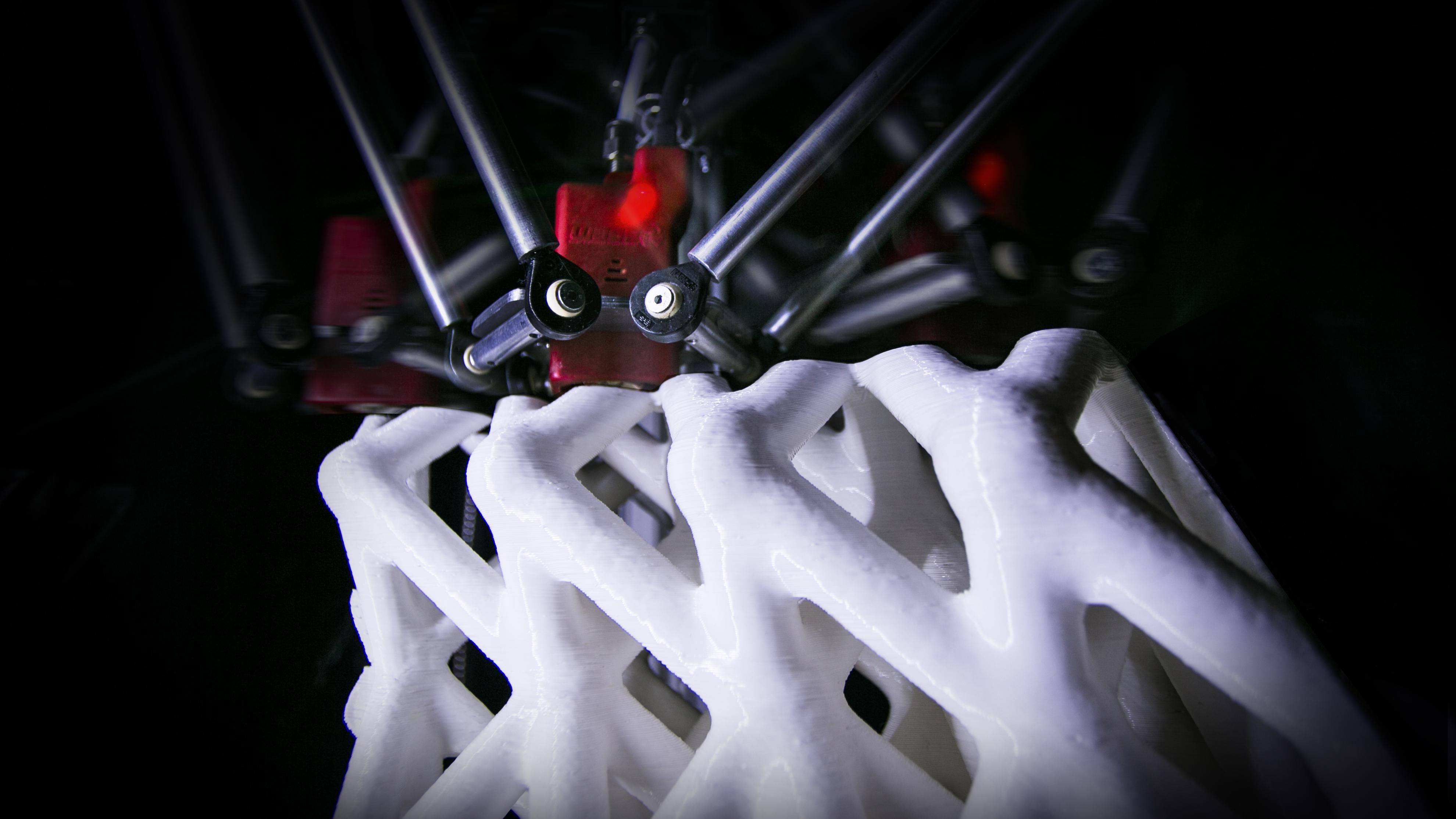La tecnica utilizzata garantisce una produzione di sette componenti costruttivi al giorno  / Roberto Naboni