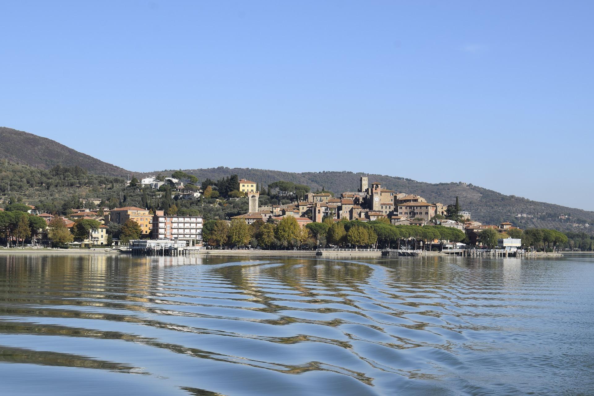 Lago Trasimeno: dove si specchiano i bei borghi umbri