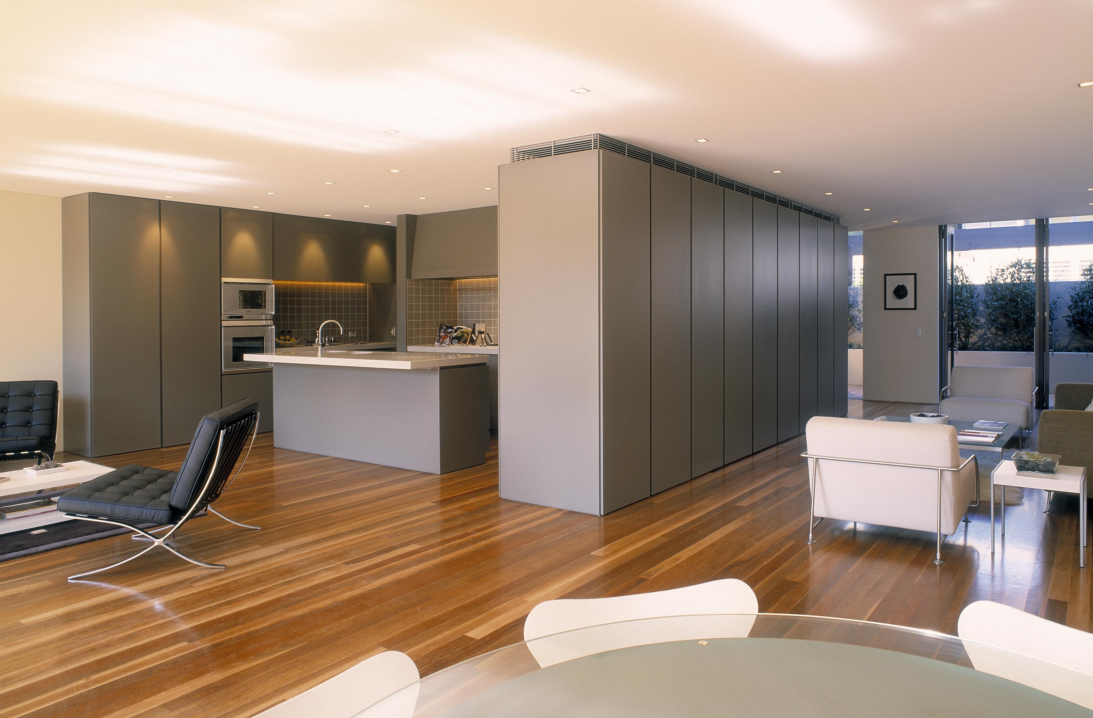 Come arredare una casa moderna idealista news for Arredare una casa moderna