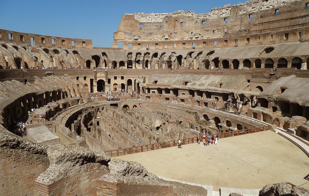 Il nome originale è Anfiteatro Flavio