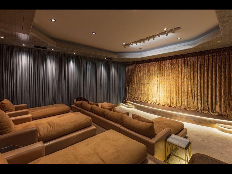 Cinema privato / Redfin