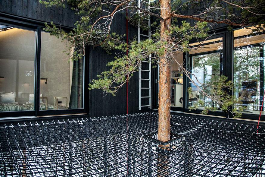 Pavimento in rete / Treehotel
