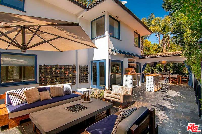 La villa di Jessica Alba a Beverly Hills