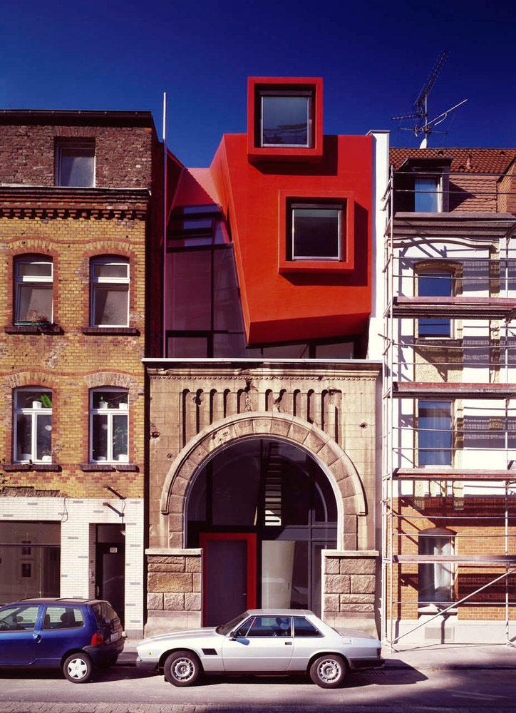 Per la stretta normativa tedesca, gli architetti hanno dovuto superare non pochi problemi per veder realizzata la propria idea / Boris Becker