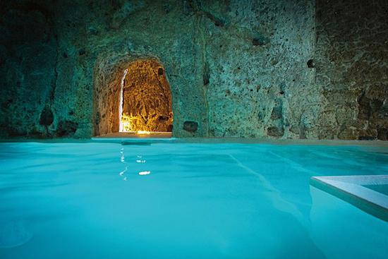 Domus Civita Cave Pool, in Italia