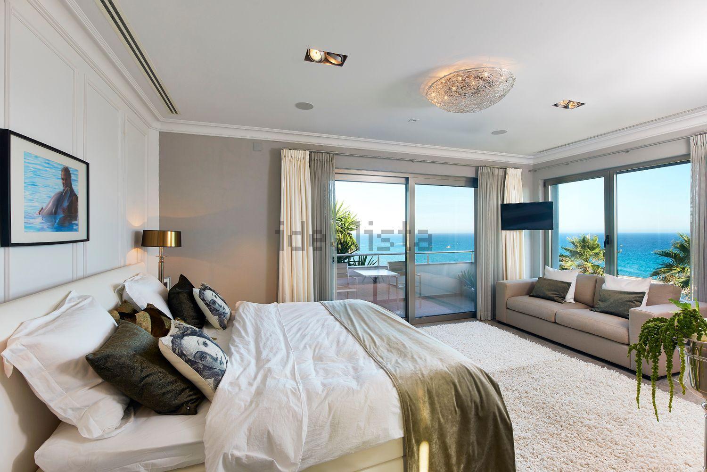 Otto camere da letto con vista mare