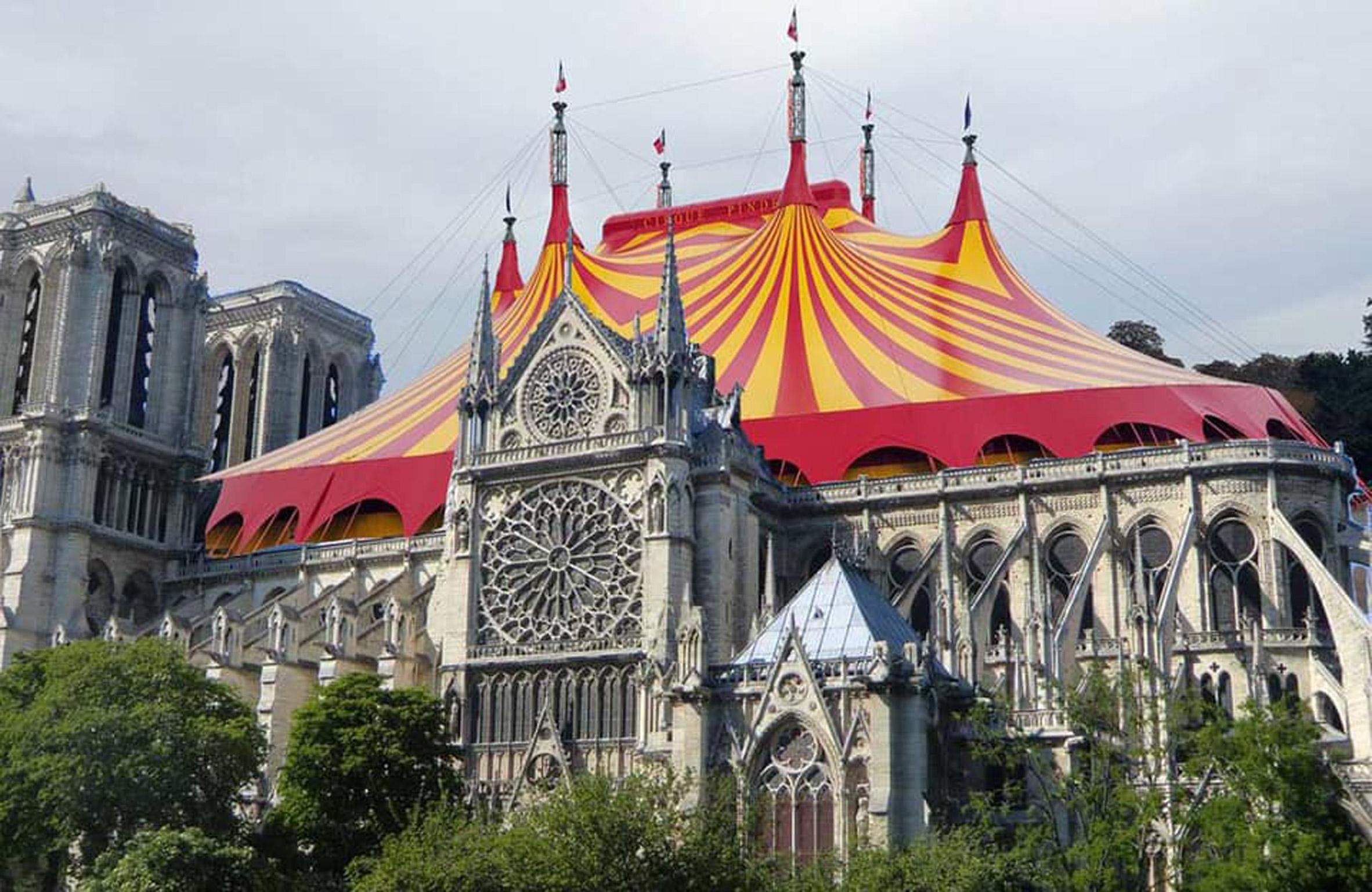 La tenda di un circo / Bored Panda