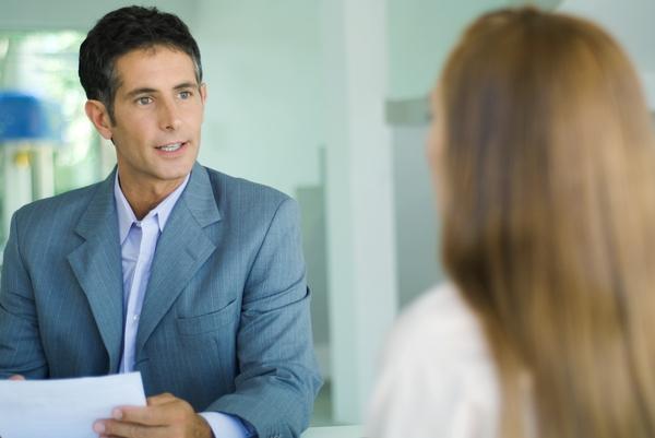 Incompatibilità agente immobiliare e amministratore