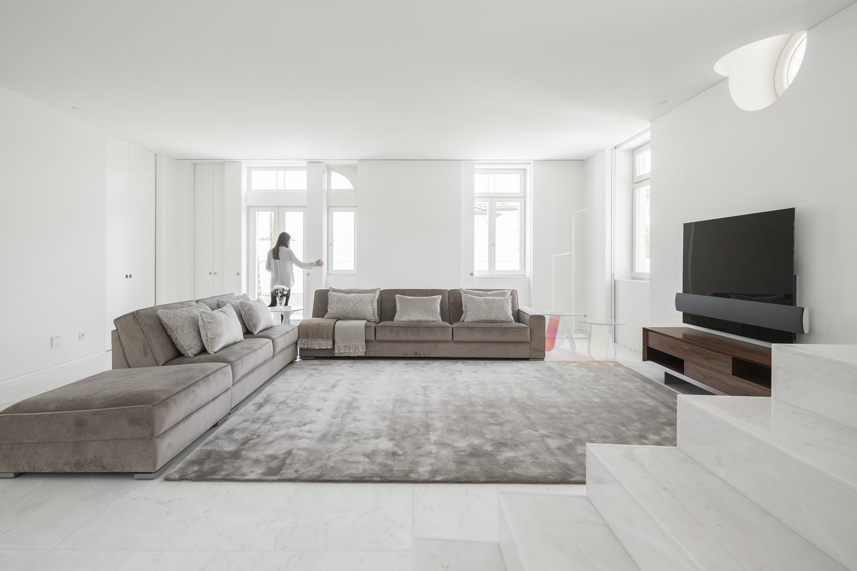Gli spazi sono di notevole ampiezza / Ivo Tavares Studio
