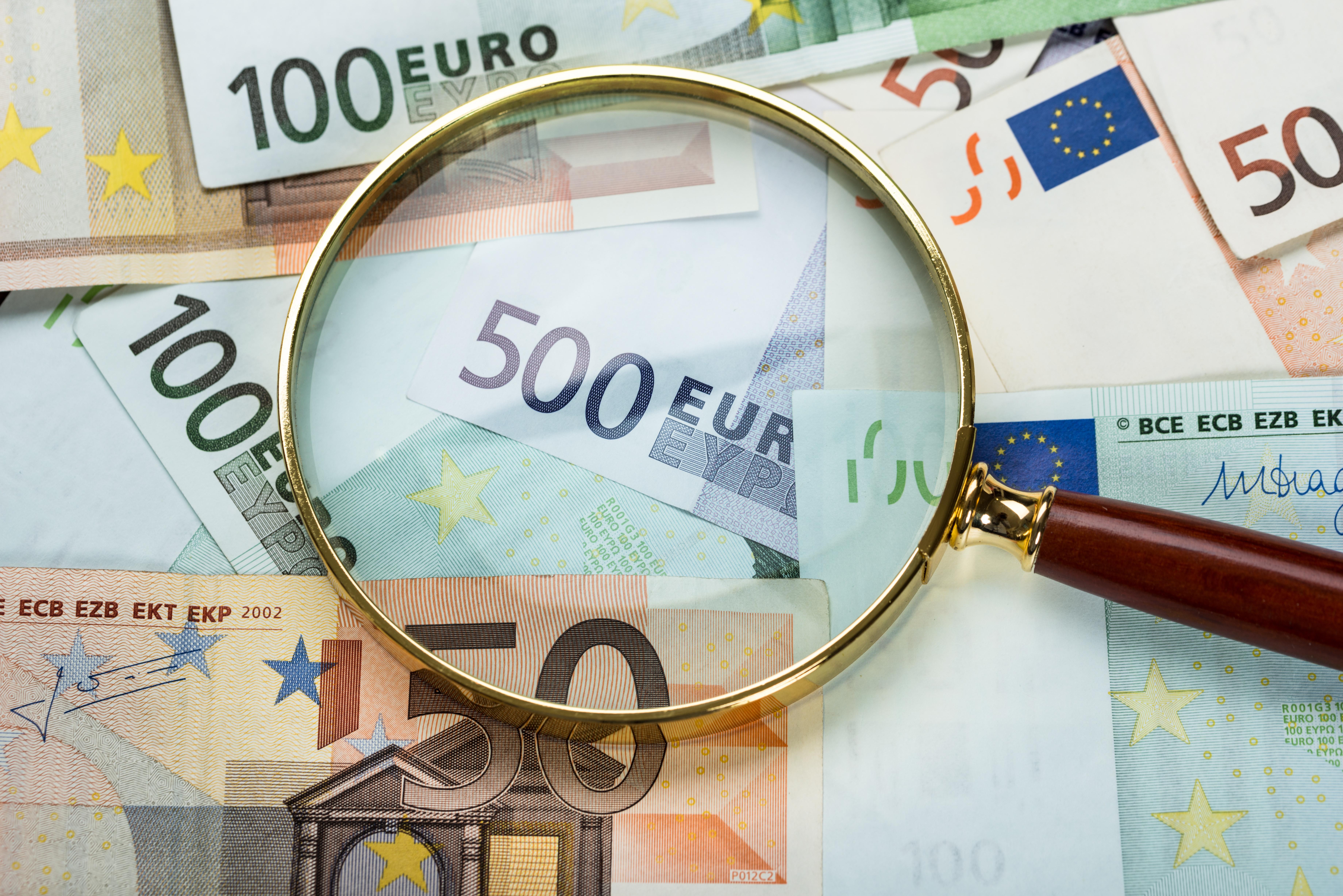 L'obbligo in caso di movimentazione di contante di importo pari o superiori a 10.000 euro mensili