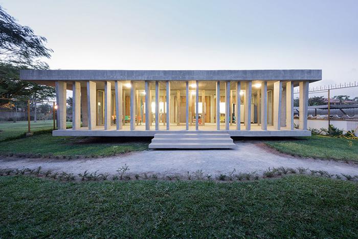 Ambasciata svizzera in Costa d'Avorio / Iwan Baan via Bored Panda