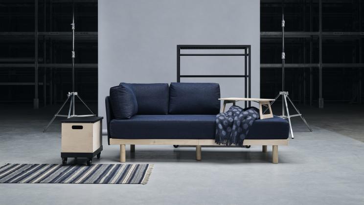 Il carrello per traslochi che si trasforma in divano letto / Ikea