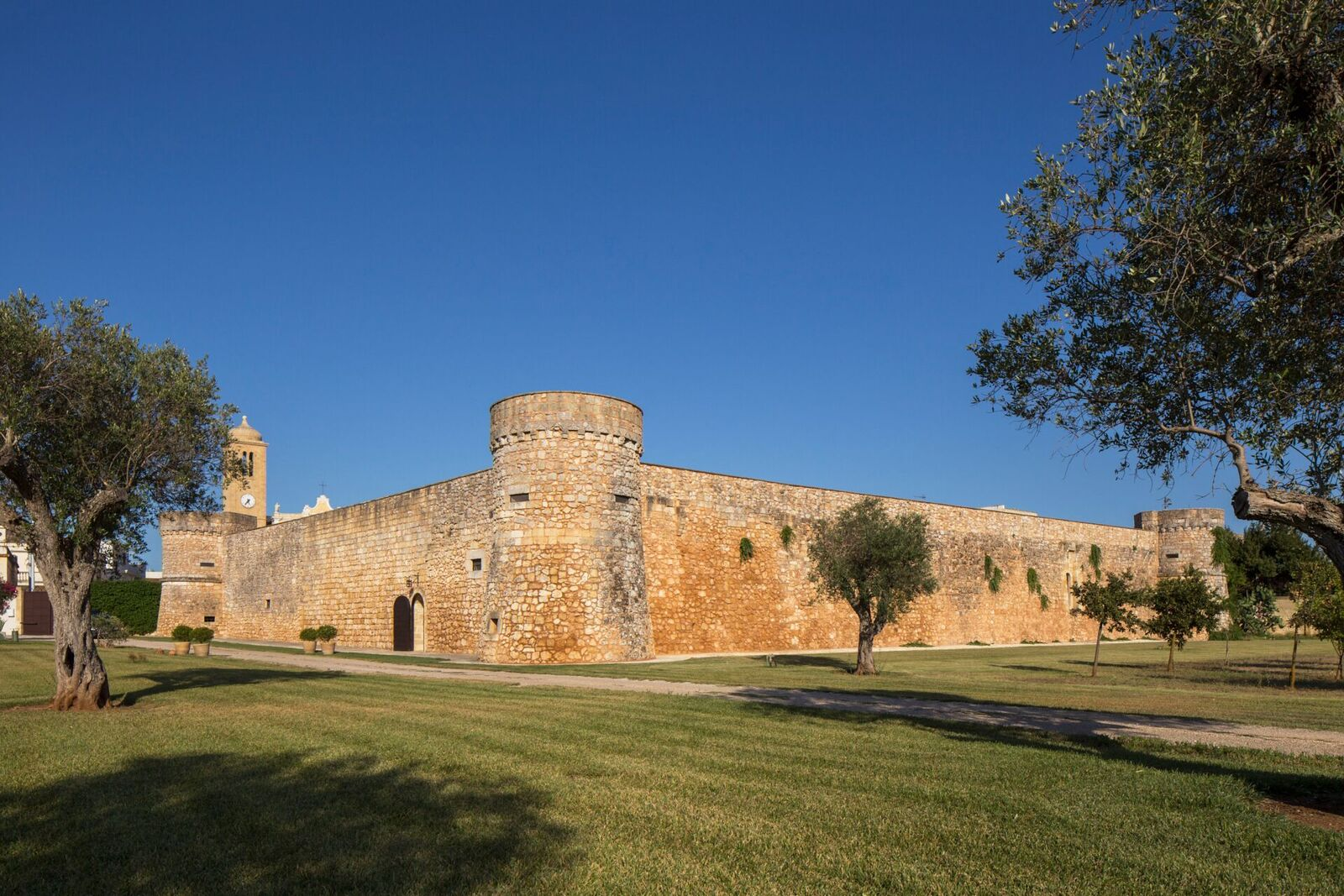 Castello di Caprarica
