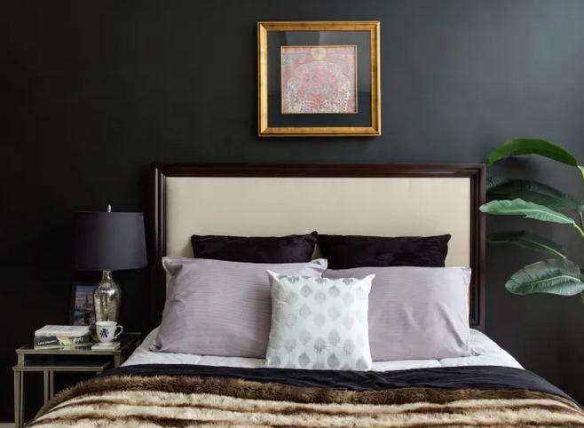 La testata del letto, un elemento che attira l'attenzione
