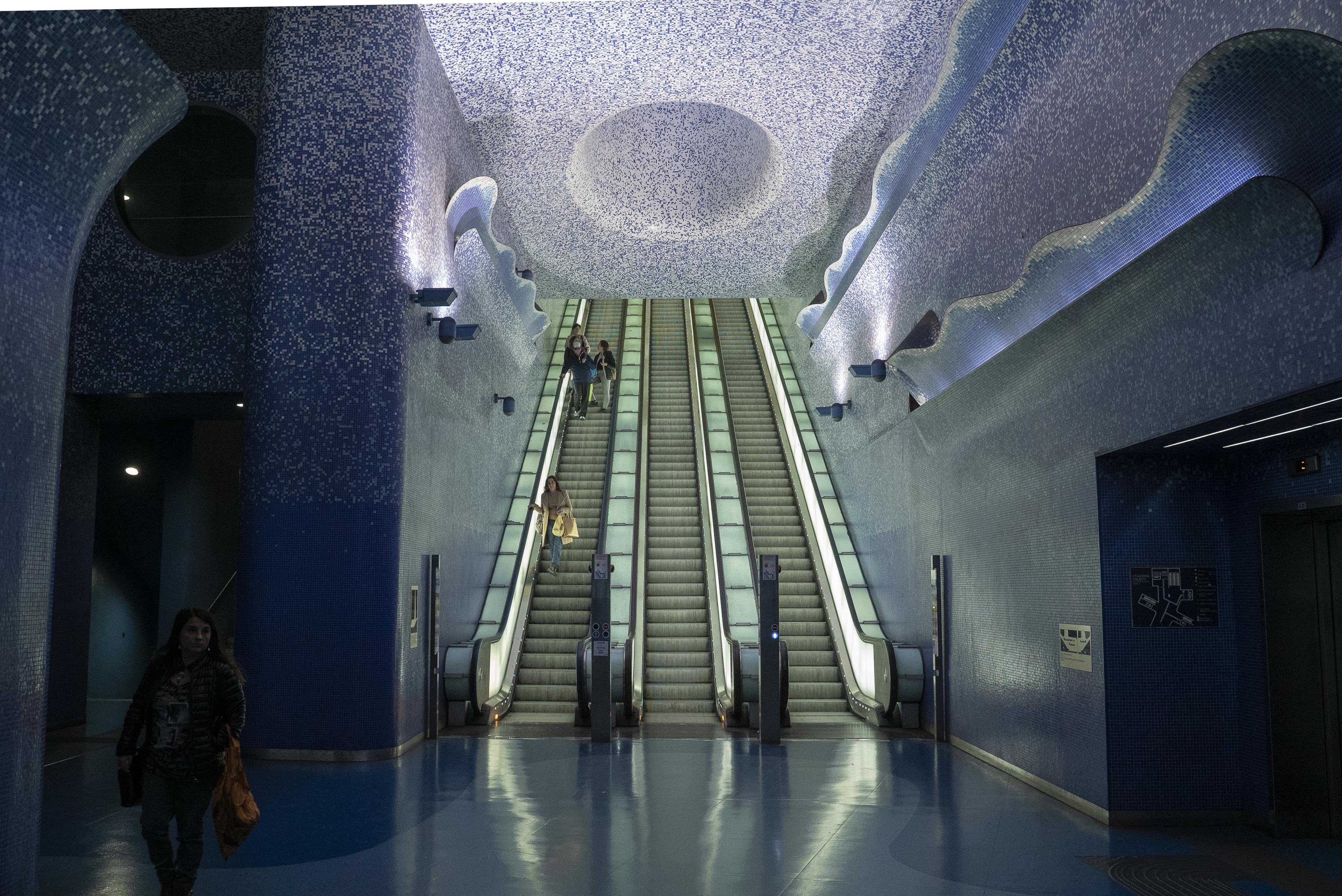 Dettaglio della stazione Toledo a Napoli