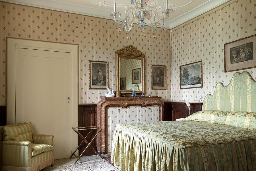Camera matrimoniale / http://villasolacabiati.fondazioneserbelloni.com