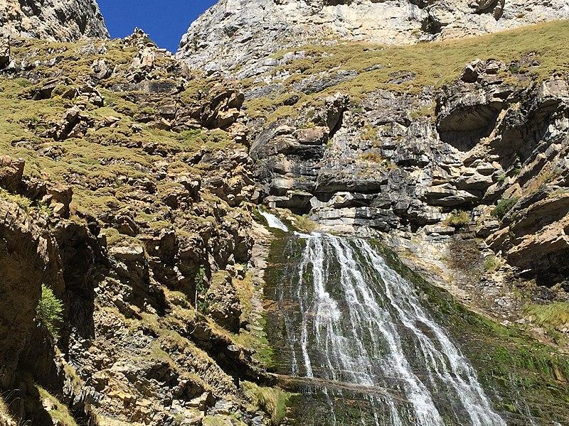 La cascata Cola de Caballo nei Pirenei